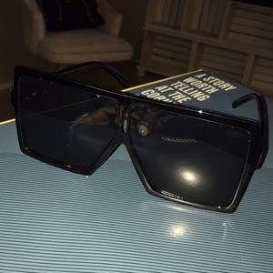 Oversized sun glasses
